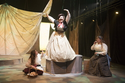 19-Theatre-Wonderfully_Alice-0402-WD-1361.NEF