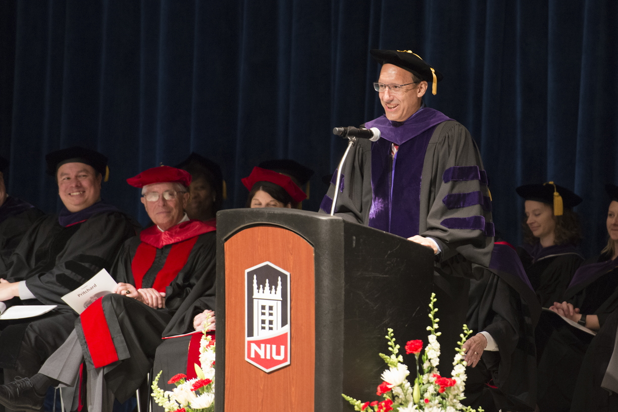 19-Law_Commencement-0525-WD-095.jpg
